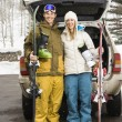 Couple going skiing. — Stock Photo