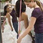 novia medición costurera — Foto de Stock