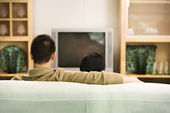 Couple watching TV. — Stock Photo