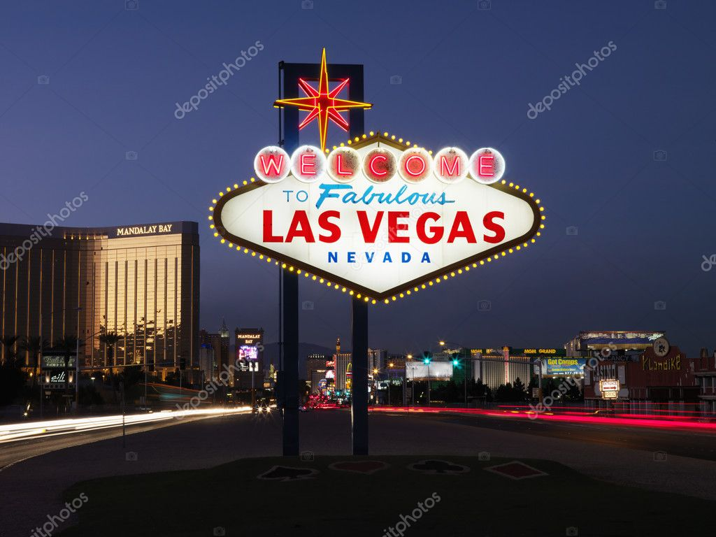 Lighted sign reading Welcome to Fabulous Las Vegas Nevada at dusk. Horizontally framed shot. — Stock Photo #9227050