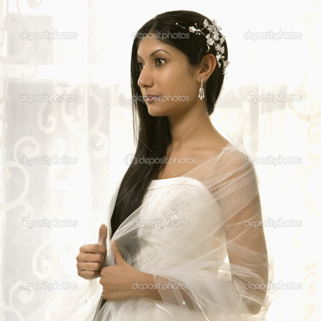 Portrait of an Indian bride. — Stock Photo #9227582