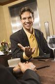 Biznesmen w rozmowie. — Zdjęcie stockowe
