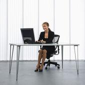 Çalışan kadın. — Stok fotoğraf