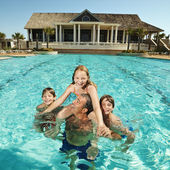 Family at pool. — Stock Photo