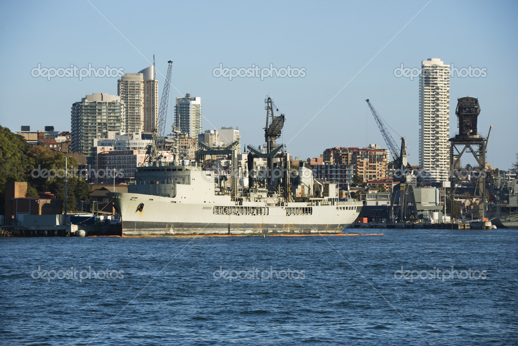 Tanker ship at port in Sydney, Australia with view of buildings. — Stock Photo #9278055