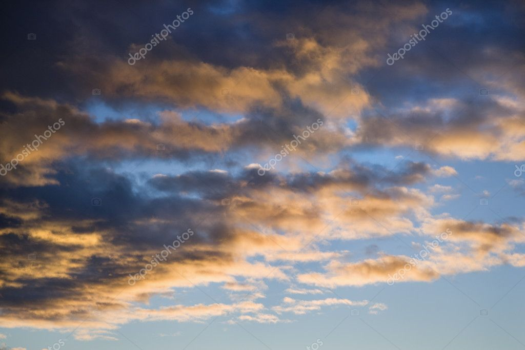 Colorful cumulus clouds in sky. — Stock Photo #9279023