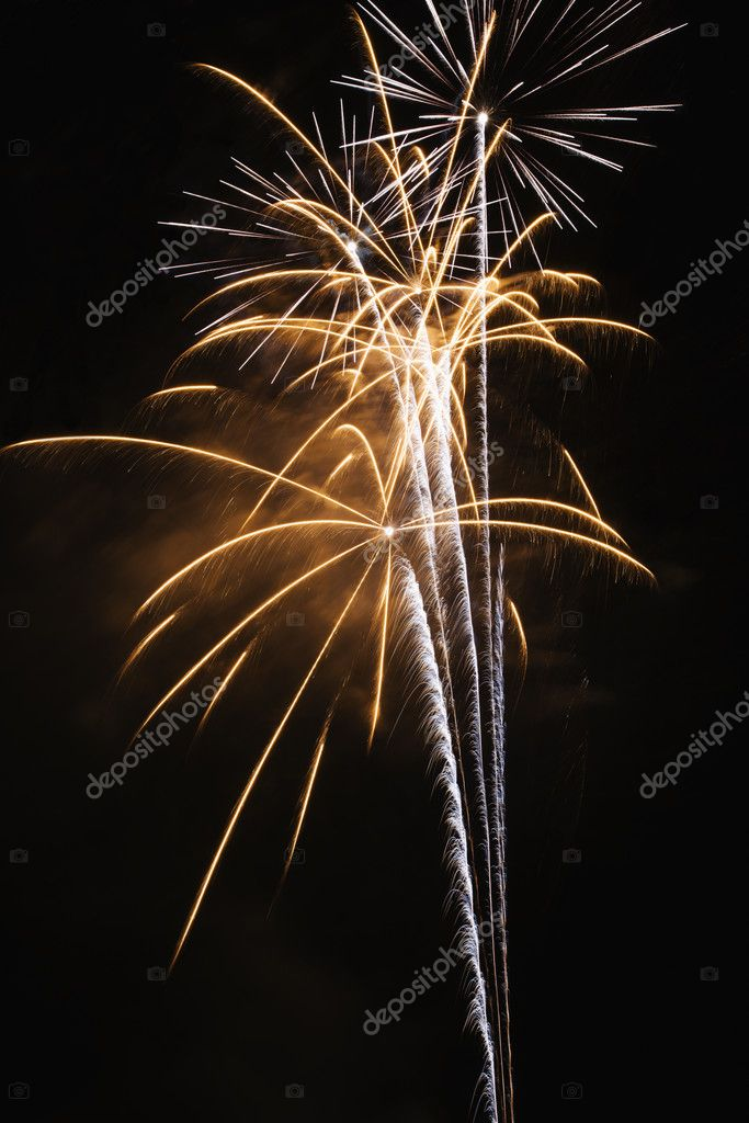 Colorful fireworks exploding in night sky. — Stock Photo #9279175