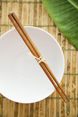 Chopsticks on an Empty Bowl — Stock Photo
