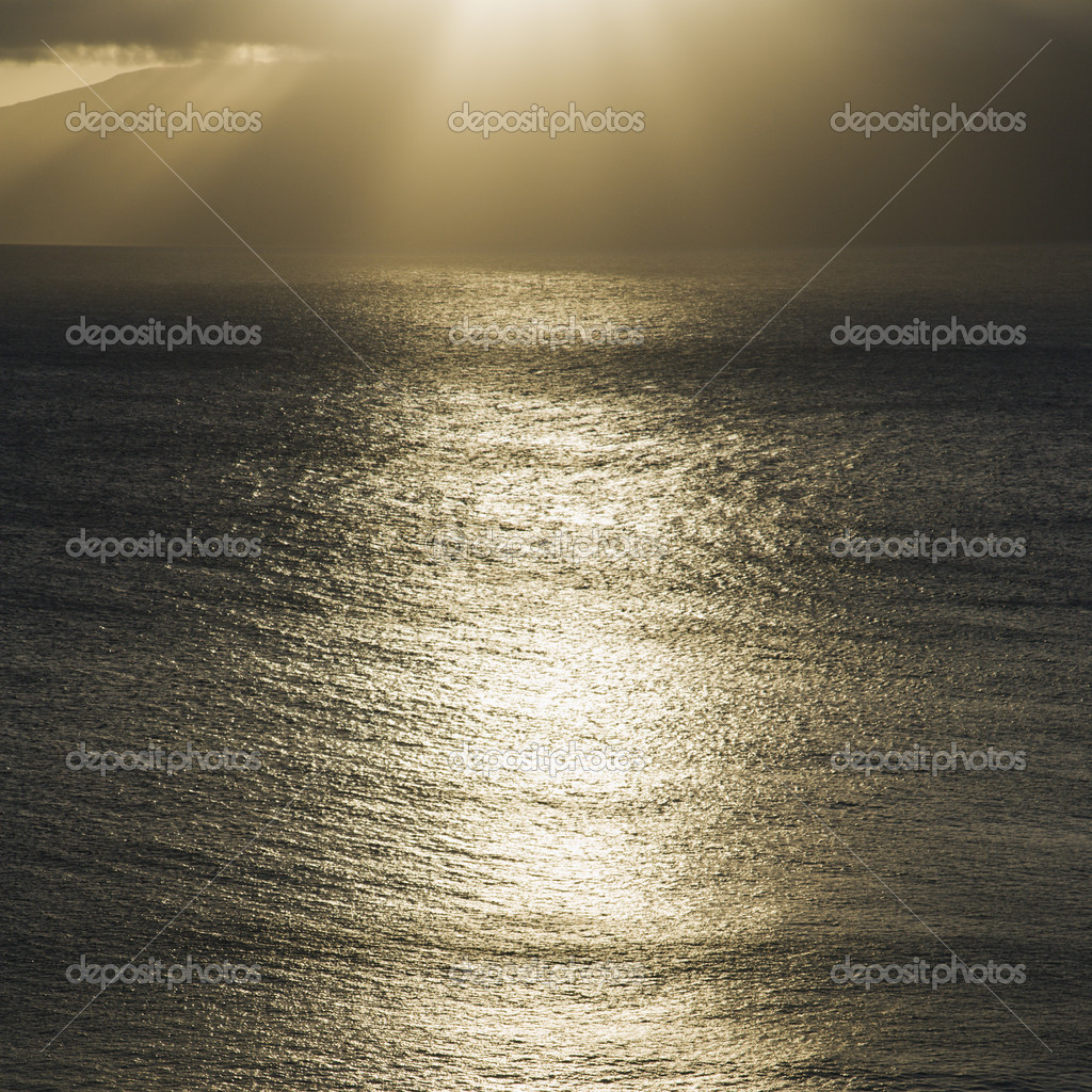 Sun shining on Pacific ocean. — Stock Photo #9280559