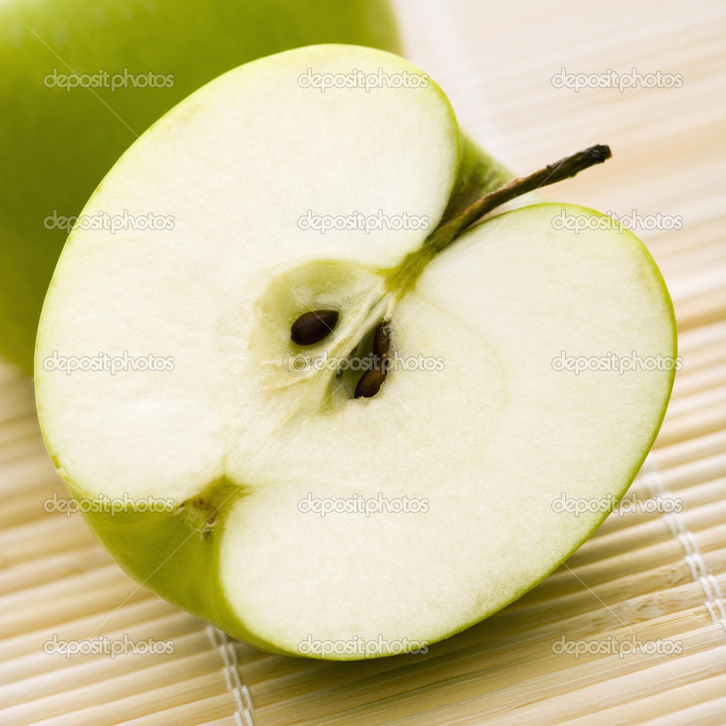 Close up of sliced green apple. — Stockfoto #9281269