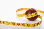 Measuring nectarine. — Stock Photo