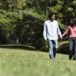 Couple walking. — Stock Photo