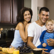 Family in kitchen. — Foto Stock