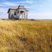 Old abandoned house. — Stock Photo