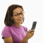 Mulher com telefone celular. — Fotografia Stock
