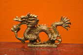 Chinese dragon statue. — Stock Photo