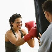 Vrouw fitnesstraining — Stockfoto