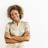 Leende glad kvinna — Stockfoto