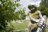 Estátua de anjo em cemitério. — Foto Stock