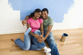 Couple relaxing while painting. — Stock Photo