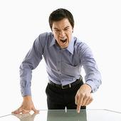 Homme d'affaires crier. — Photo