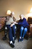Oudere kaukasische echtpaar. — Stockfoto