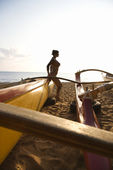 Woman with outrigger. — Stock Photo