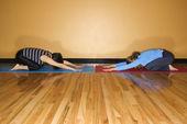 Frauen in Yoga-pose — Stockfoto