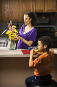 Pregnant mom and son. — Stock Photo