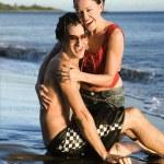 Happy couple on beach. — Stock Photo