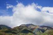 Maui mountains with rainbow. — Stock Photo