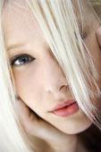Ritratto di donna bionda. — Foto Stock