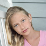 Portrait of girl. — Stock Photo #9498173