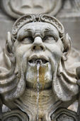 Statue fountain. — Stock Photo