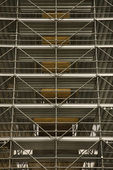 Scaffolding around structure. — Stockfoto