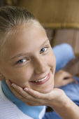 Portrait of smiling girl — Stock Photo