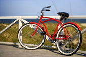 Fahrrad am strand. — Stockfoto