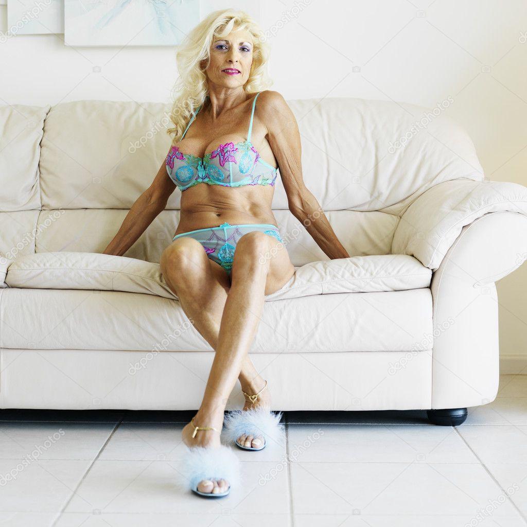 Photos Of Mature Women In Underwear 59