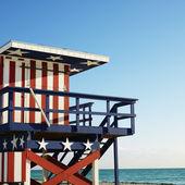 Lifeguard tower on beach. — Stock Photo