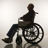 Człowiek na wózku inwalidzkim. — Zdjęcie stockowe