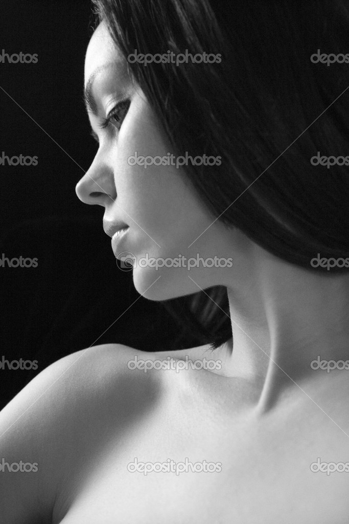 profil-golie-devushek