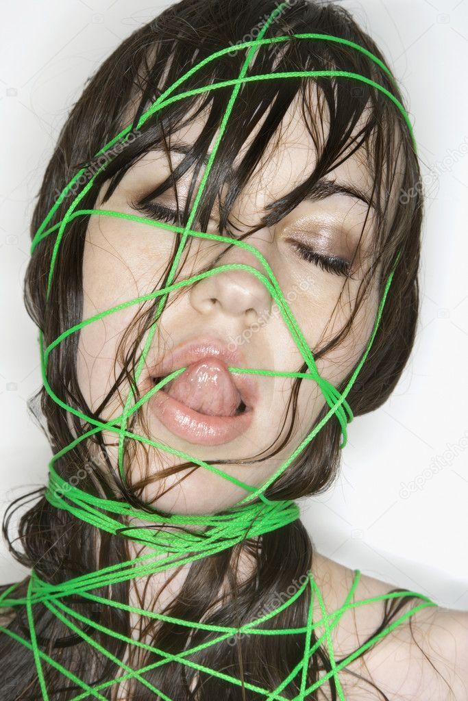 Фото связанных веревкой женщин 7 фотография