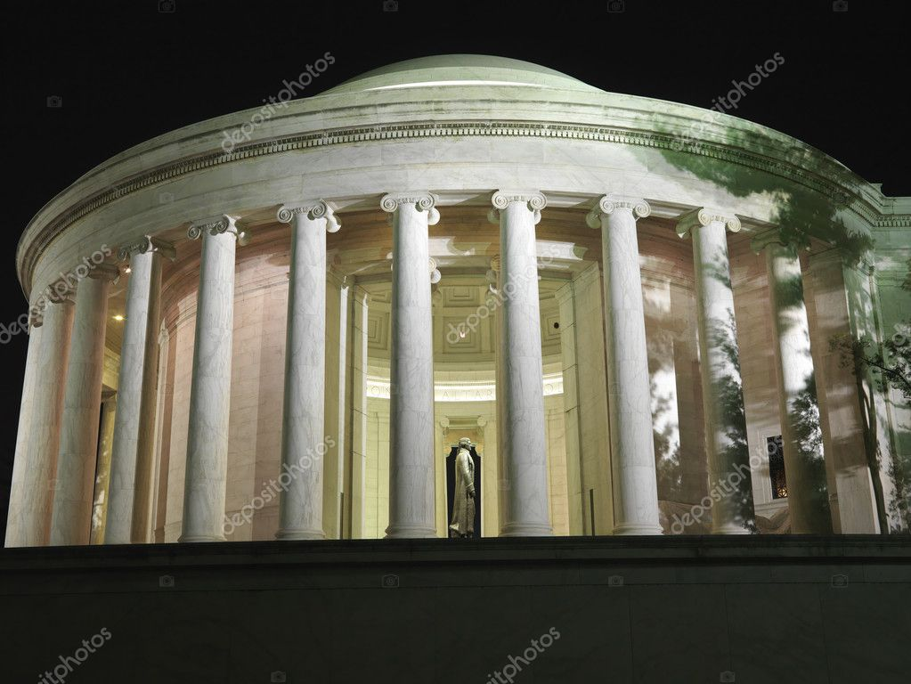 Jefferson Memorial at night in Washington, DC, USA. — Stock Photo #9522028