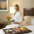 Woman With Hotel Room Service — 图库照片