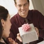 Man giving woman gift. — Stock Photo