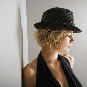 Woman wearing fedora. — Stock Photo