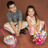 Kids with Easter baskets. — Stock Photo