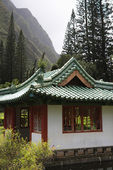 Pagoda in mountains — Stock Photo