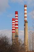 Kominy elektrowni termoelektrycznej — Zdjęcie stockowe