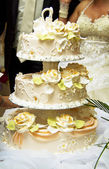 Beautiful wedding cake at a wedding reception — Stock Photo